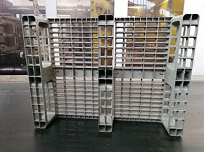 New tests for industrial machinery pallets moulding.